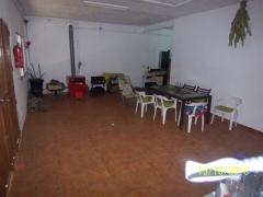 Garaje cerrado y solado