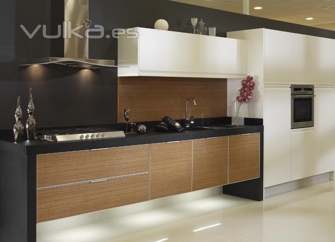 Foto muebles de cocina yelarsan modelo alta for Modelos de muebles para cocina