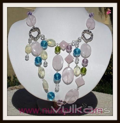 Collar de plata, cuarzo rosa, piedra de luna y cristales de colores