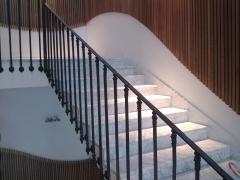 Escalera blanco carrara 3 + 2 cms.