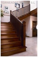 Escalera de madera, con Barandilla mod.35