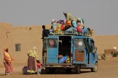 Transporte público en el desierto. Marruecos
