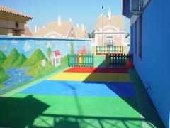 Fachadas y pavimentaci�n  con  Proyecci�n de SUBER TRES en guarder�a infantil
