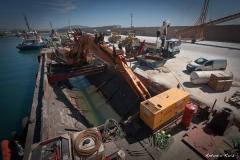 Draga isleta en el puerto de garrucha