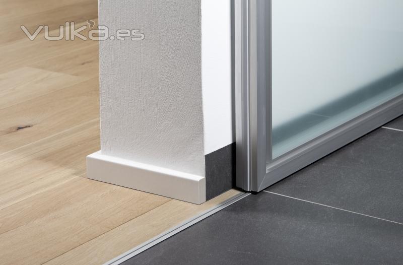 Foto puertas correderas de paso entre comedor y cocina de - Puertas correderas empotradas en tabique ...