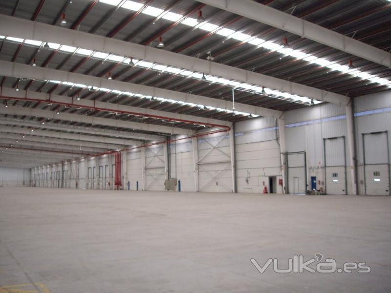 Foto nave industrial estructura metalica atornillada - Empresas de construccion valencia ...