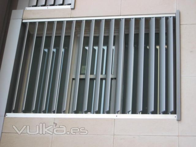 Carpinteria aluminio cerrajeria alumeca for Carpinteria aluminio