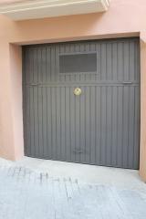 Puerta basculante de hierro para garaje