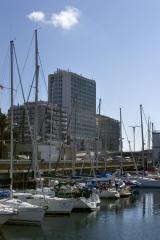 Junto al puerto deportivo en pleno centro de vigo