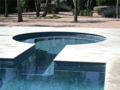 Jacuzzi adosado a piscina