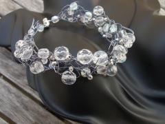 Pulsera hielo. hecha a mano con cristal de bohemia