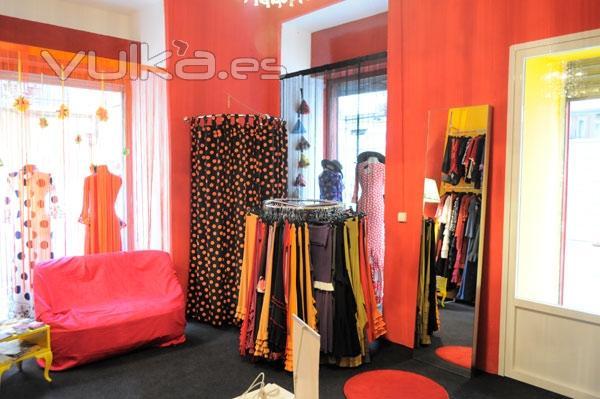 Aparador Retro Colorido ~ Foto Tienda moda de baile flamenco