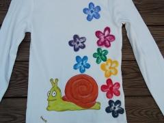 Camiseta Caracol. Pintada a mano con pinturas de alta calidad