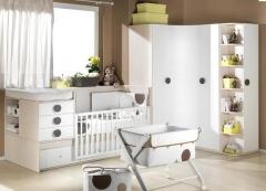 Dormitorio infantil con cuna convertible