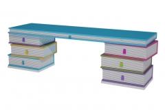 Mesa de estudio compuesta de muebles libro