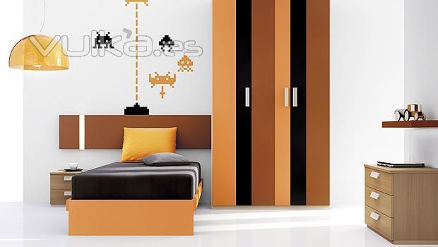 Foto muebles juveniles con vinilos decorativos y armario a franjas verticales - Vinilos decorativos juveniles ...