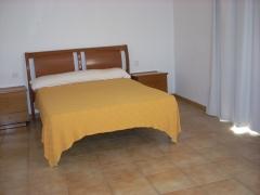 Rossell - gran casa  4 dormitorios, 2 baños, terraza, exterior 80.000 e.