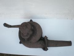 Nuestro antiguo ventilador de mano para fragua , sin restaurar.
