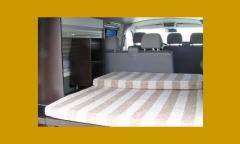 Interior de furgoneta camper