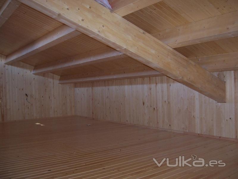 Foto buardilla de madera tejado de madera rustic osona for Tejados de madera barcelona