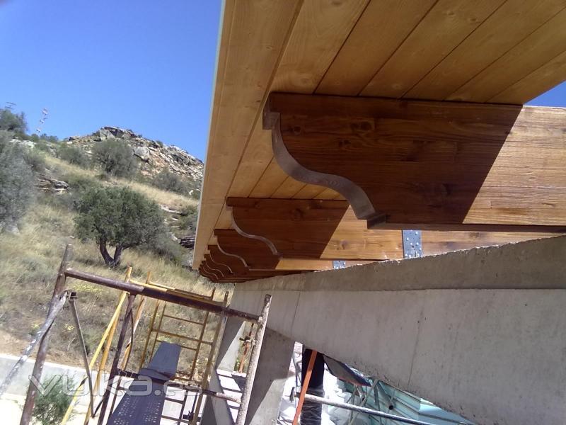 Tejados de madera cutecma for Tejados de madera baratos