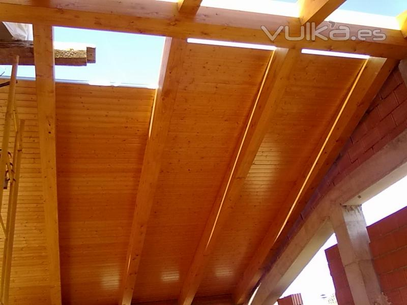 Tejados de madera cutecma for Tejados de madera thermochip
