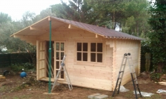 Proceso de montaje de caseta de jardin a nuestro cliente de Begues