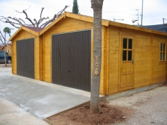 Dos garajes poporcionados por EuroCasetas para camping de Oropesa de Mar