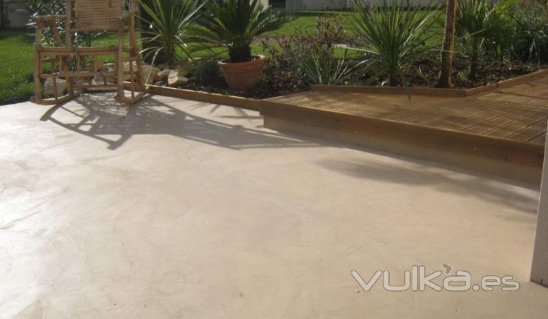 Foto cemento pulido en exterior mineral deco for Terrasse beton cire exterieure
