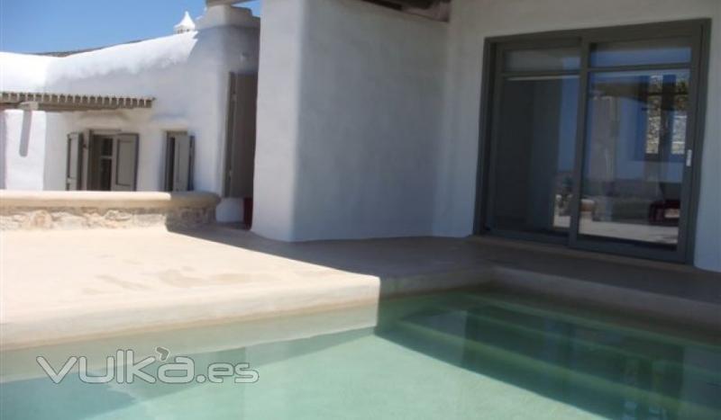 Foto cemento pulido exterior y piscina mineral deco - Cemento pulido exterior ...