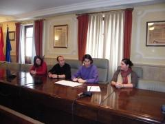 Firma de convenio colaboracion imparticion de educacion canina ayuntamiento lasrate-oria