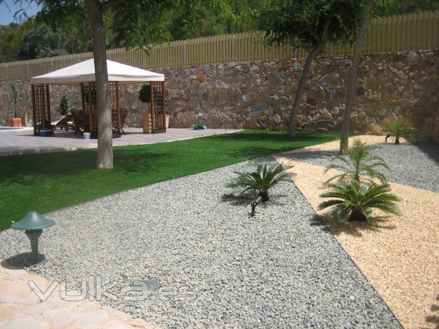 Foto de jardines de dise o foto 4 for Diseno de piedras decorativas