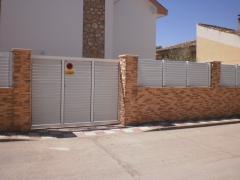 cerramiento de fincas con valla de aluminio