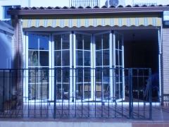 cerramientos de terraza con puertas replegables