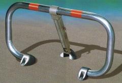 Cepo o valla guardaplaza modelo robusto con cerradura