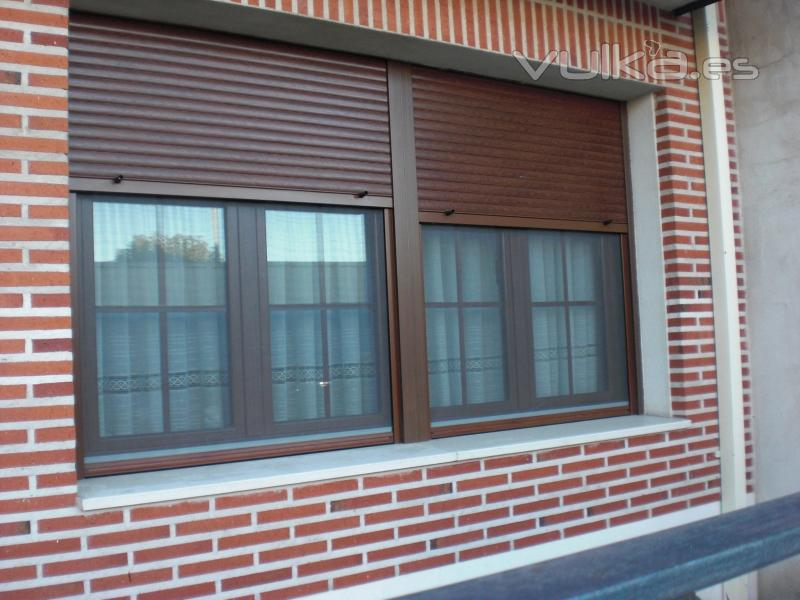Aluminio ramon sanz for Ventanales de aluminio imitacion madera
