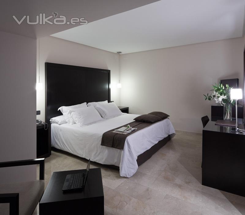 Foto habitaci n minimalista for Muebles de dormitorio minimalistas