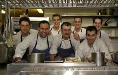 Equipo de cocina del restaurante zaldiaran