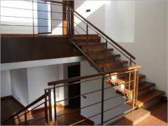Escalera mixta hormig�n/madera/metal. muy bonita