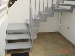 Escalera met�lica. una opci�n para no realizar obras