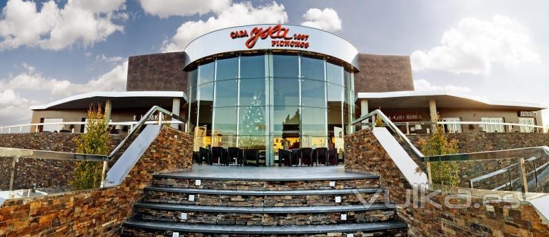 Fachada instalaciones Pastelería, Cafetería, Restaurante y Obrador de Casa Ysla.