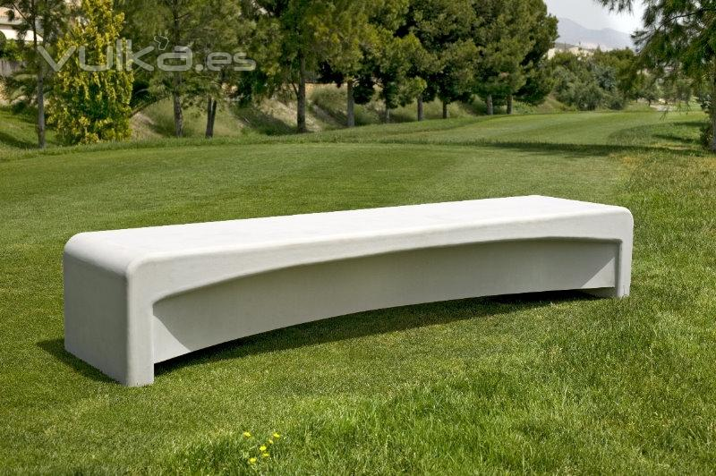 Foto z 1440 banco urbano hormigon onyx for Mobiliario jardin plastico