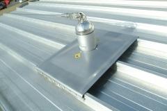 L�nea de vida de cable latchways - kobbeco para cubiertas de bandeja perfilada