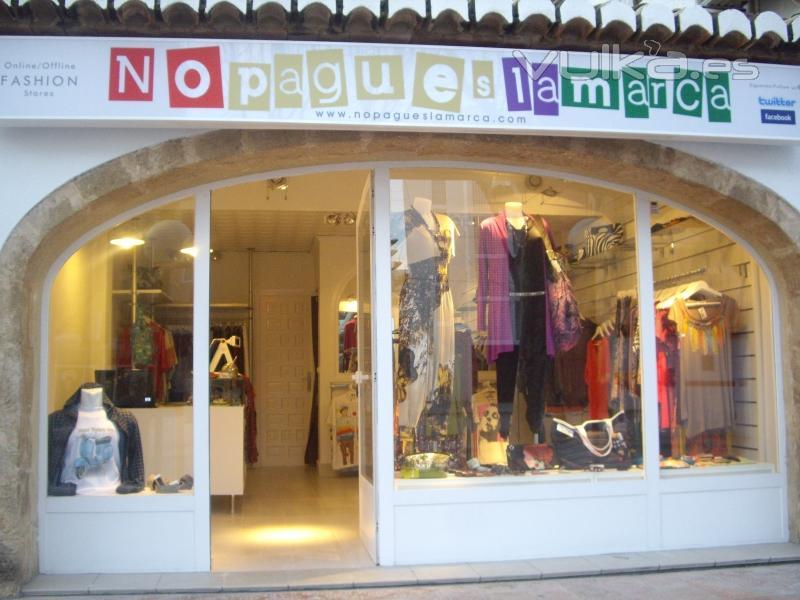 Foto fachada de una de las tiendas f sicas no pagues la marca - Imagenes de fachadas de empresas ...