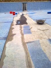 Reparacion grietas piscina comunitaria