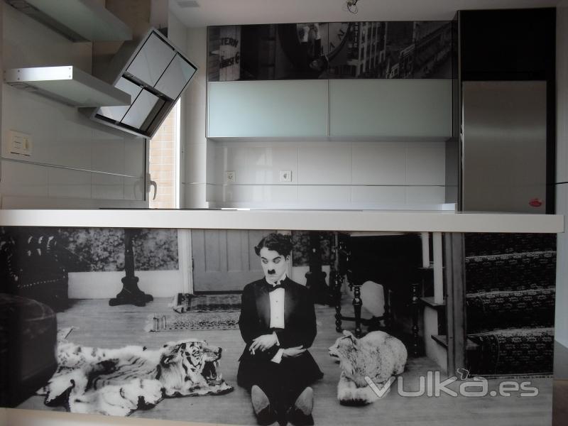 Foto modelo morfeus cine clasico 2 for Muebles cocina ciudad real