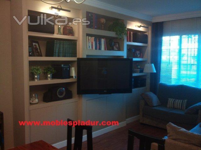 Foto librer a de pladur con moldura superior de escayola - Muebles de pladur para salon ...