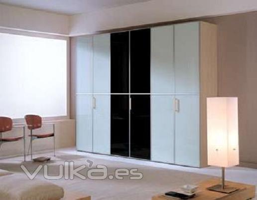 Foto armarios empotrados y dormitorios for Dormitorios y armarios