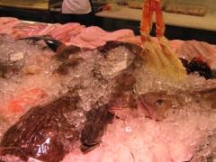 Pescado variado: rodaballo, merluza, buey de mar...