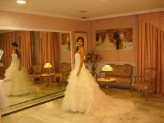 Gacela novias vestidos de novia y fiesta jaen